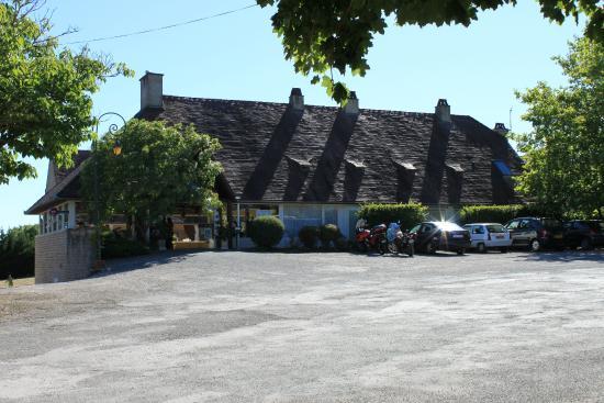 Hôtel du Château : Entrée de l'hotel