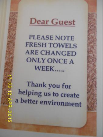 Marina Bay Hotel : The famous notice