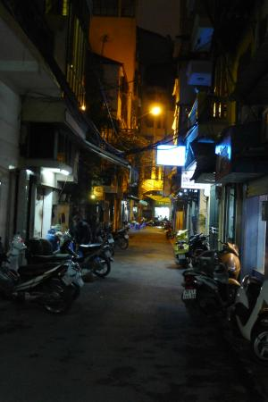 إسبيسن هوتل: From the street outside the hotel
