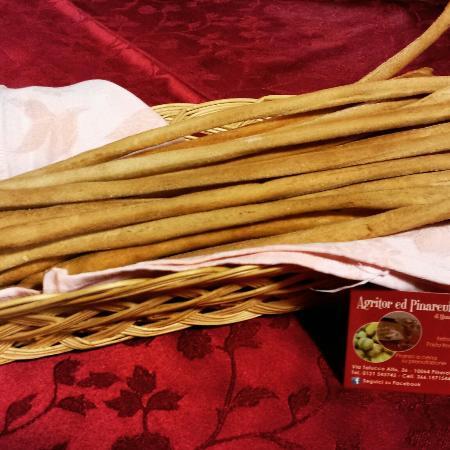 Agritor Ed Pinareul Arios : Grissini fatti con la farina piemontese antiqua