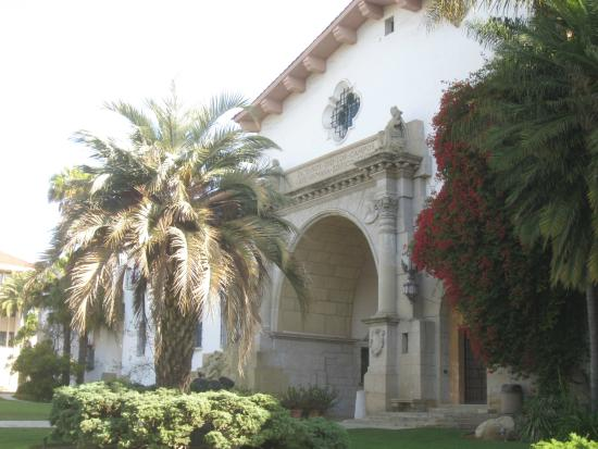 The Historic La Arcada Courtyard