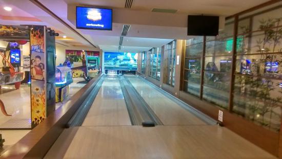 5ebca6df1 Limak Lara De Luxe Hotel&Resort: indoor bowling. Limak Lara De Luxe  Hotel&Resort: 4D Cinema