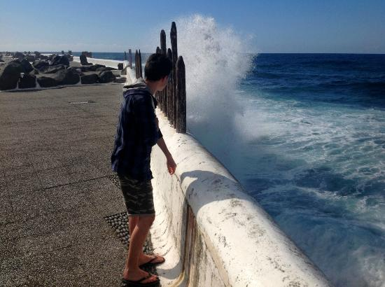 Lago Martianez : Watch out for the waves!