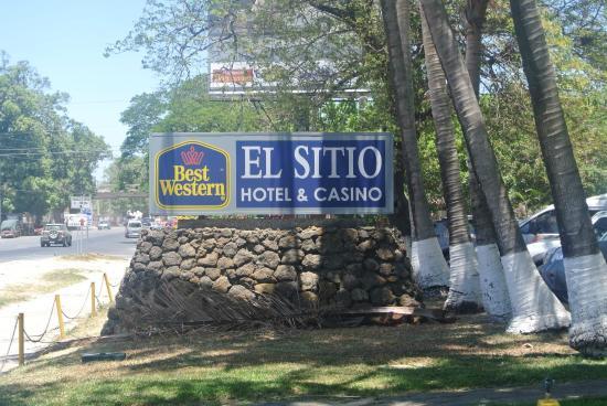 Best Western El Sitio Hotel & Casino: Front entrance