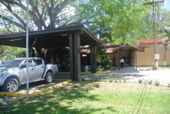 Best Western El Sitio Hotel & Casino: Front view