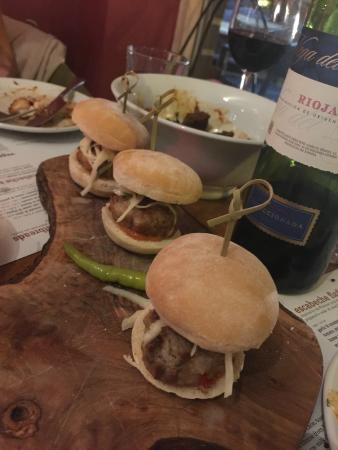 Gourmet burgers booooom picture of escabeche west for Aubergine cuisine nottingham