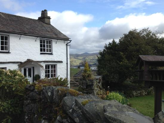 High Wray Farm : The B&B with view of Fairfield