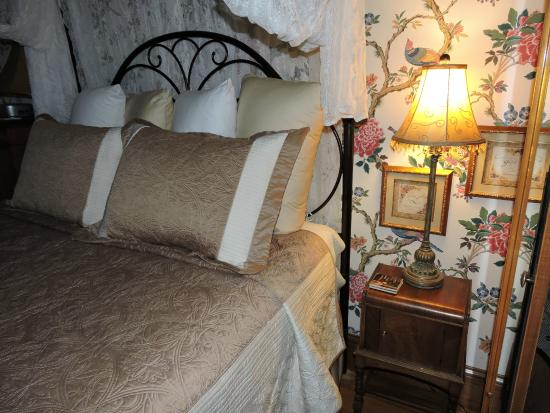 Weller Haus Bed, Breakfast and Event Center: Sweet and cozy...
