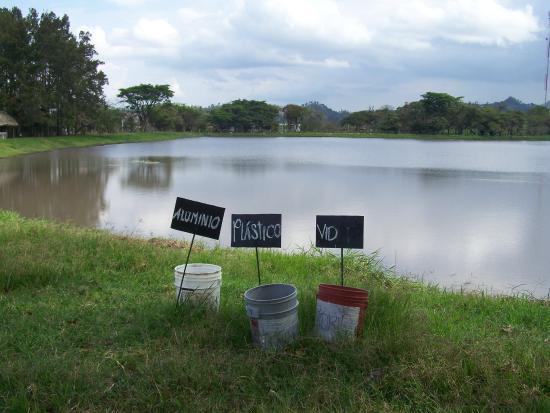 Chiquimula, Guatemala: Vista de la Laguna del Jute