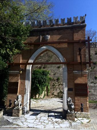 Relais Palazzo Viviani : INGRESSO PALAZZO VIVIANI