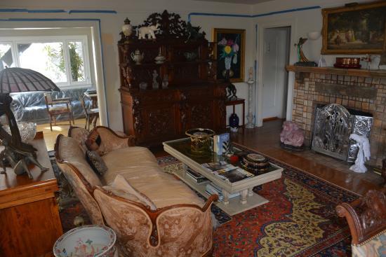 The Secret Garden Bed and Breakfast: Interior