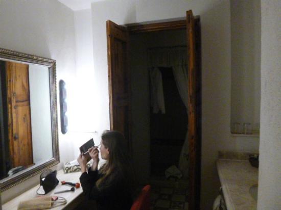Hotel Casa Primavera: baño amplio