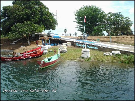 Porto Real do Colegio: Prainha do Ferry Boat,as margem do rio São Francisco