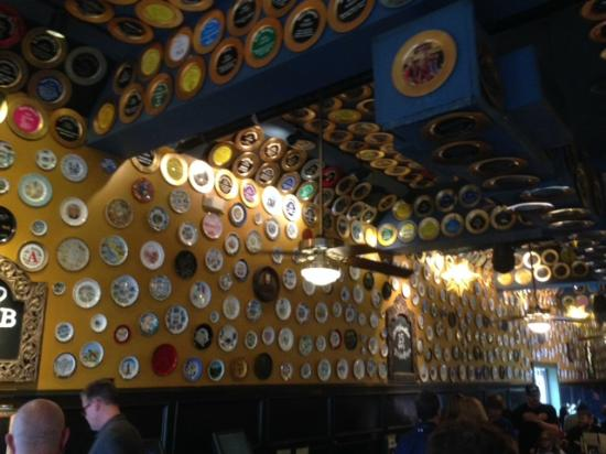 Flying Saucer Draught Emporium: Plates!