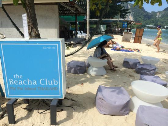 The Beacha Club Hotel: Beach area