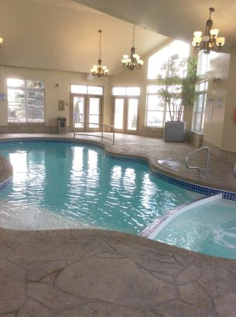 First Canada Inns: Lovely warm pool and hot tub