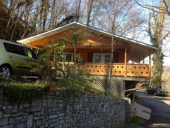 Asheville Swiss Chalets: Lucerne chalet home away from home