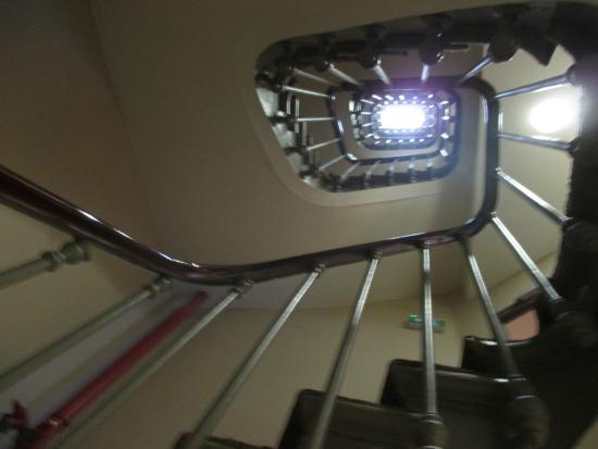 Hotel Charing Cross : らせん階段