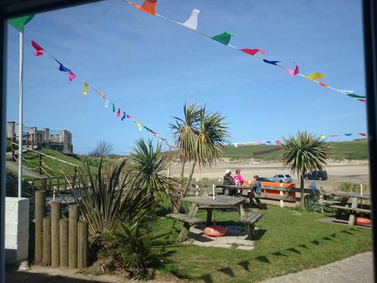 Coast Cafe: Cafe Coast Porth view to Porth Beach on a sunny day in the Spring