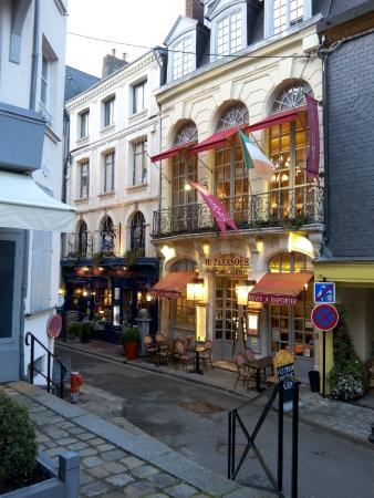 Dehors   Picture of Il Parasole, Honfleur   TripAdvisor