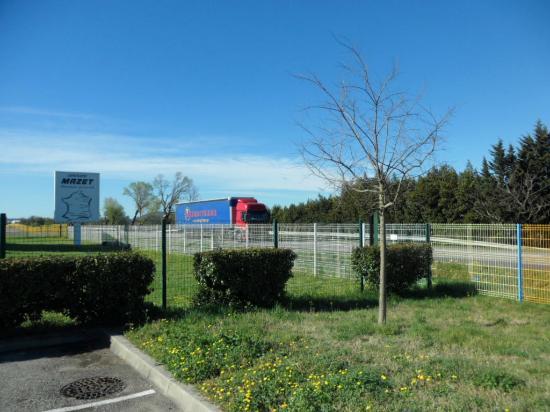 ibis budget Montelimar: Proximity of car park to motorway
