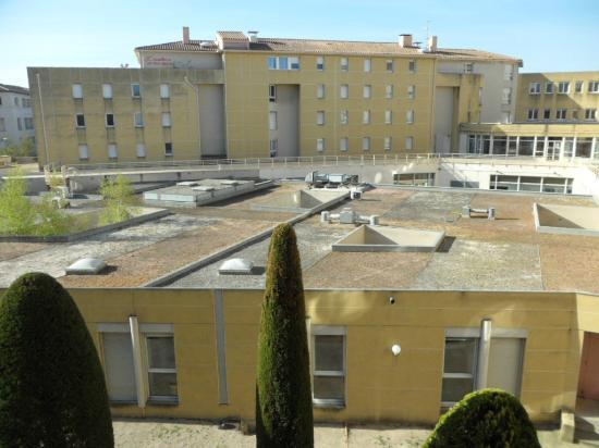 Ibis Avignon Centre Pont de l'Europe : Quiet room at the back. View over offices.