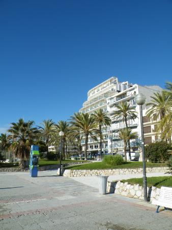 هوتل كاليبوليس: El hotel desde el paseo