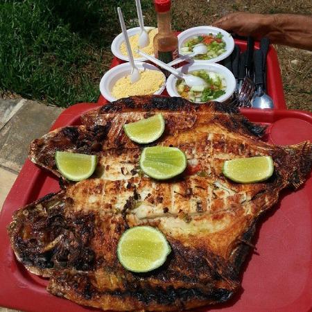 Paco do Lumiar, MA: O peixe que  você pescou pode ser assado no hora!