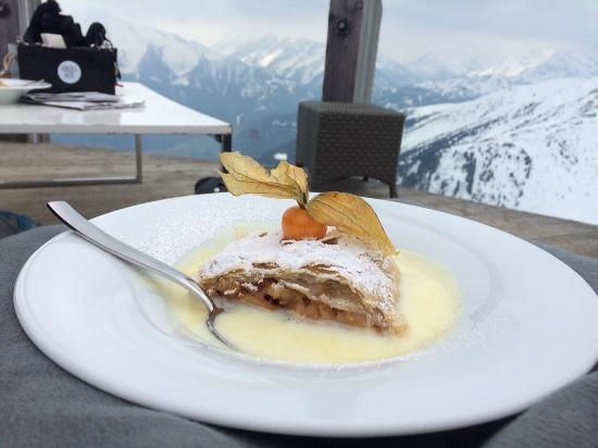 Kristallhutte im Zillertal: Apfelstrudel