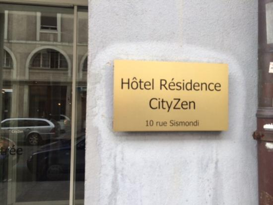 Hotel Residence CityZen: Stay away from this place, in the heart of the red light district