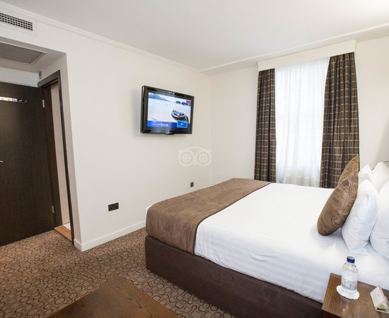 The Executive King Room at the Mercure London Paddington Hotel