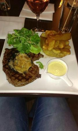 Heywood Spa Hotel: Steak and chips
