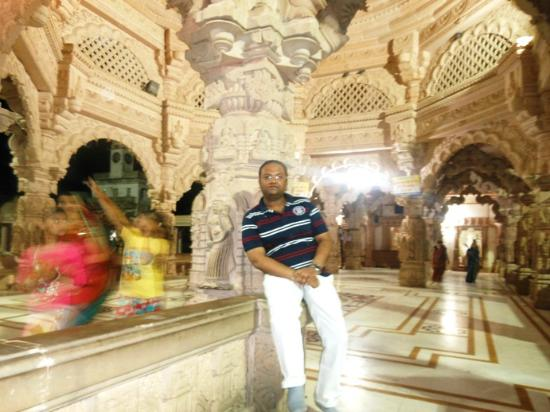 Sanwaria Seth Temple: CA Anshul Singhal At Savariya Seth Temple