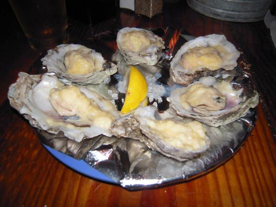 Hurricane Oyster Bar : Steamed Oysters