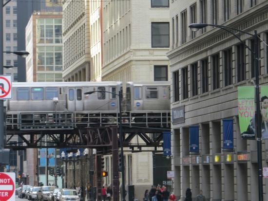 Loop Tour Train: Elevated
