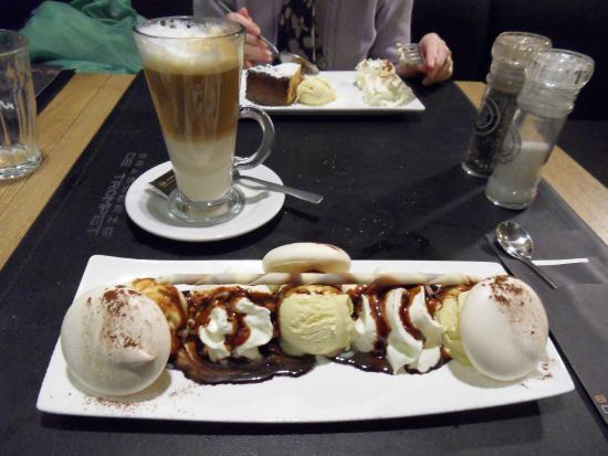 De Trompet: Vanilla ice-cream/meringue