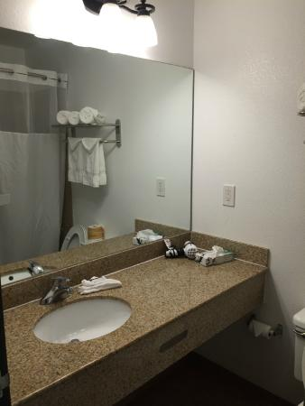 Harborview Inn and Suites: Updated for the most part...