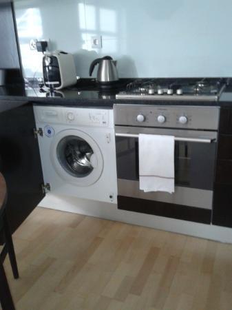 The Lisbonaire Apartments: Utensílios da cozinha