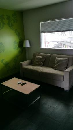 Olivarius Apart'hotel Cergy: coin salon