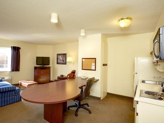 Candlewood Suites Research Triangle Park / Durham: One Bedroom Suite Living Area