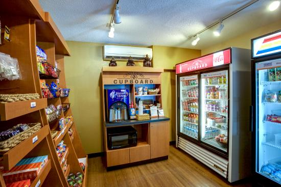 Candlewood Suites Research Triangle Park / Durham: Cupboard