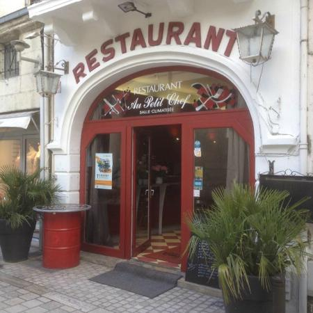 Bar restaurant le petit chef photo de au petit chef for Petit restaurant