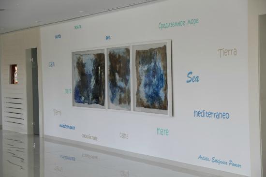 Grupotel Maritimo: Wandgestaltung im Empfangsbereich