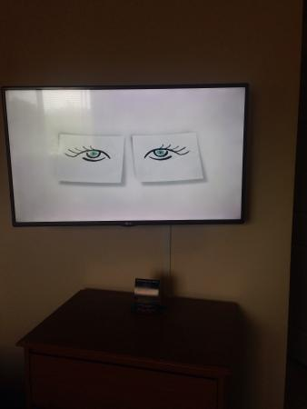 InTown Suites Albany: Nice TV