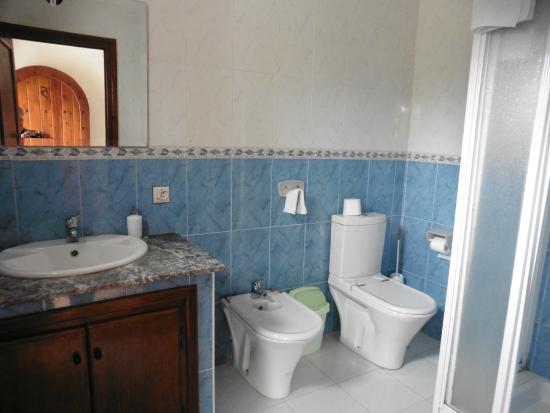 Mellalyene, Fas: Bathroom