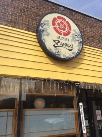 Sushi Zanmai: Entrance to restaurant