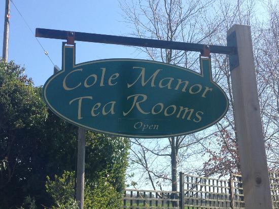 Cole Manor Tea Rooms: Entrance signpost