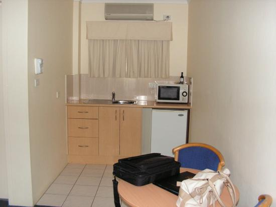 Hotel Forster: small kitchen with plates , microwave etc