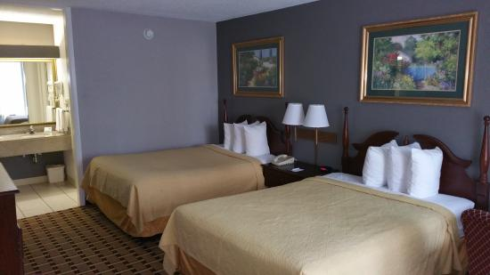 Clarion Inn & Suites Phenix City Columbus: Newly Remolded Rooms