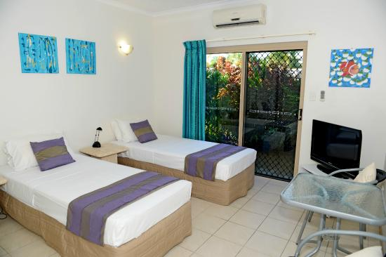 Mission Reef Resort: Single bedroom